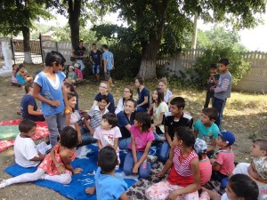 6 - Impactii din Harlau ajuta familii defavorizate